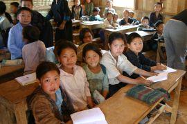 Schoolkids, Laos